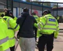 İngiltere siyonist İsrail'in yanında! Yemek engelleniyor