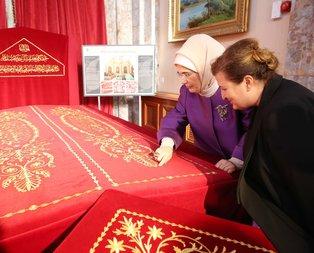 Emine Erdoğandan anlamlı ziyaret