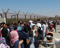 Suriyeliler sınır kapısına akın etti