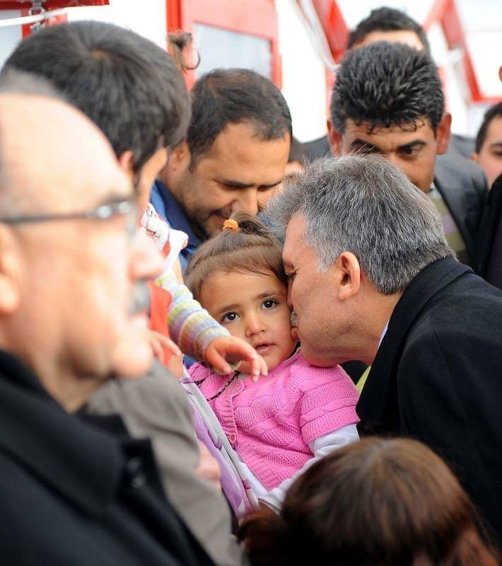 Cumhurbaşkanı Gül bayramı Vanda kutladı