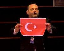 Türk bayrağını yırtan Yunan vekile ceza