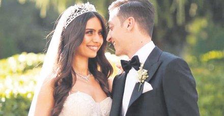 Mesut Özil ile Amine Gülşe'nin düğününe yıldızlar akın etti