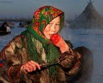Dünyanın en tuhaf kabilesi! Çiğ et yiyip kan içebiliyorlar...