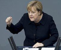 Almanya panikte! Merkel'den yeni açıklama