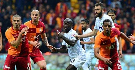 Galatasaray'ın Akhisar maçı kadrosu belli oldu