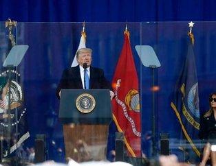 Dikkat çeken ayrıntı! Trump kurşun geçirmez camın arkasında konuştu