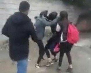 Kız öğrenciler okul çıkışı birbirine girdi!
