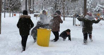 Yarın okullar tatil mi? Hangi illerde okullar kar tatili var? 14 Şubat Cuma tatil olan il ve ilçeler listesi