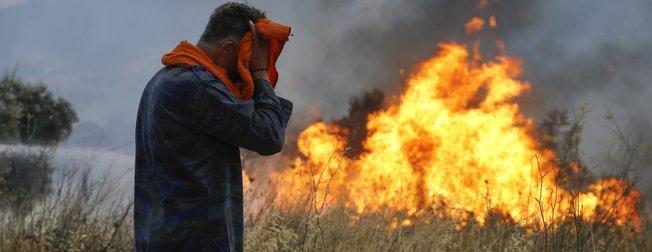 Yunanistan'da yangın felaketi! Çok sayıda ölü var...