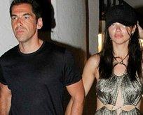 Adriana Lima'nın sevgilisi Emir Uyar kimdir?