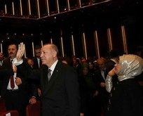 Erdoğan Leyla ile Mecnun tiyatro oyununu izledi