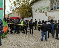 Konya'da 2 katlı kerpiç ev çöktü