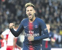 Neymar finansa el attı