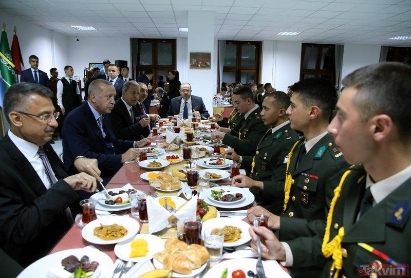 Başkan Erdoğan, Milli Savunma Üniversitesi öğrencileriyle iftar yaptı