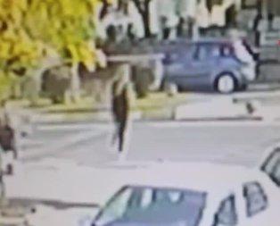 Yaya geçidinden geçmek isteyen kadına otomobil çarptı