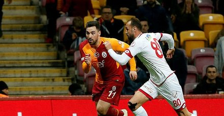 Galatasaray'a şifte şok