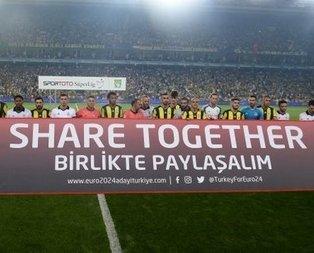 Fenerbahçe ve Beşiktaşlılar omuz omuza!