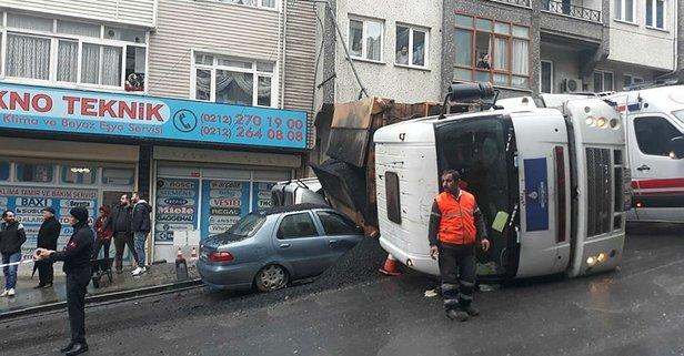 İBB'nin kamyonu 2 aracın üzerine devrildi