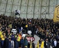 Fenerbahçe taraftarından flaş protesto