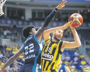 Türk Telekom'u yenen F.Bahçe 1-0 öne geçti