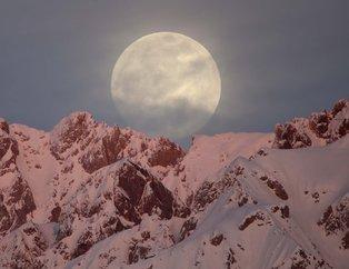 Kanlı Ay tutulması görenleri hayran bıraktı! İşte Türkiye'den çekilen manzaralar...