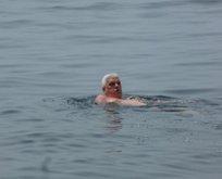 İstanbul'da bugün... Denize girdiler, güneşlendiler!