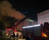 Denizli'de 3 katlı bina yandı!