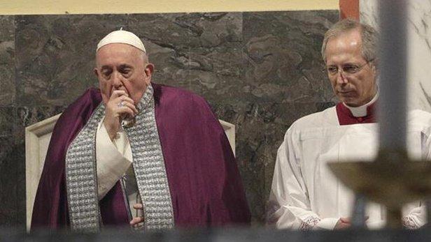 Vatikan'ı endişelendiren haber! Koronavirüs etkinliğine katılan Papa rahatsızlandı! 1