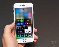 iOS 11.3 güncellemesi ekranı değişen iPhone 8'leri bozuyor