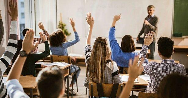 17 Mayıs Yarın okullar açılacak mı? MEB duyurdu!