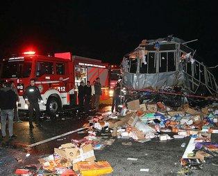 Düzce'de katliam gibi kaza! 2 ölü, 35 yaralı!
