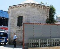 İBB 300 yıllık esere derme çatma yapı ekledi