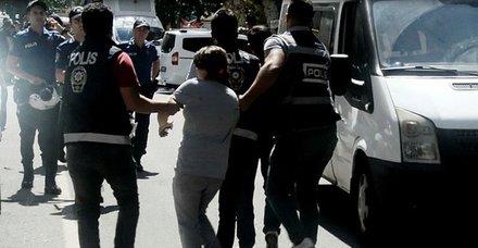 Diyarbakır'da izinsiz gösteriye polis müdahalesi: 30 gözaltı