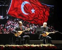 """""""15 Temmuz kahramanları"""" türkülerle anıldı"""
