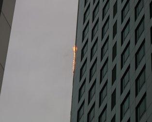 İstanbulda gökdelen yangını