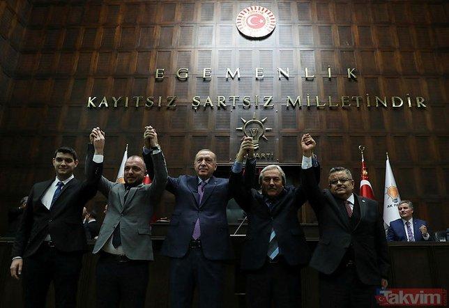 Başkan Erdoğan AK Parti'ye katılan 5 belediye başkanına rozetlerini taktı!