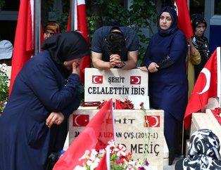 Ankara'da şehitlikte duygu dolu anlar!