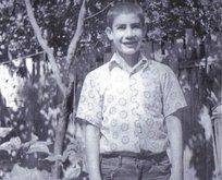 Fotoğraftaki bu genci tanıdınız mı? Çok ünlü bir isim...