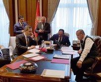 Cumhurbaşkanı Erdoğanın paylaştığı fotoğrafta dikkat çeken ayrıntılar