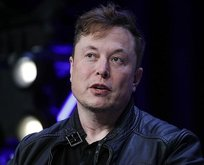 Elon Musk tarih verdi: Tesla Roadster uçacak!