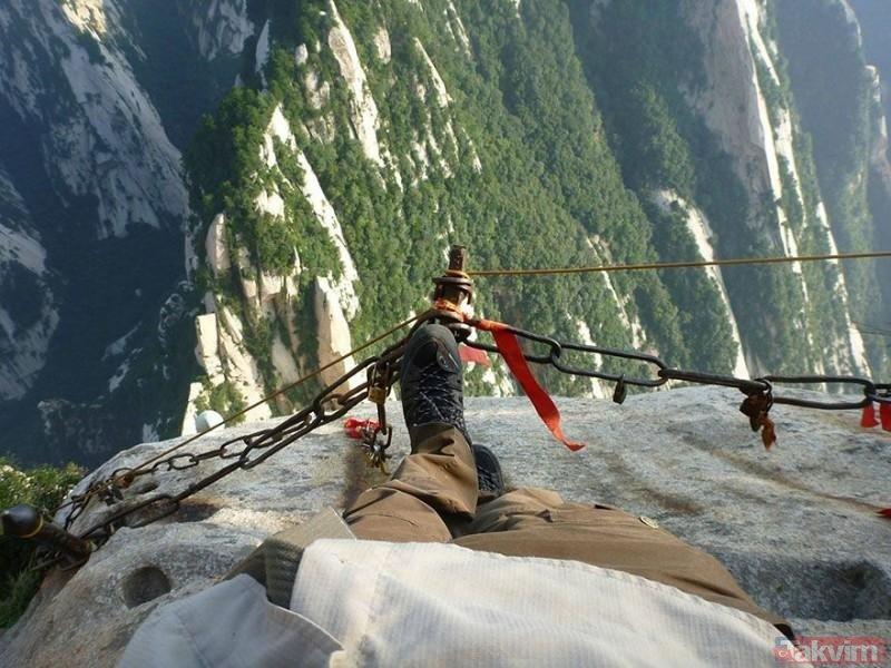 Dünyanın en tehlikeli yolunun yapımı 132 yıl sürdü!