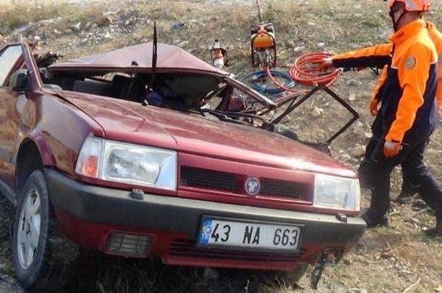 Kütahyada tır otomobile çarptı!