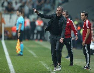 Beşiktaş taraftarından Abdullah Avcı'ya şok tepki: İstifa da bir hizmettir!