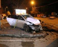 Konya'da feci kaza! Otomobil polis aracına çarptı