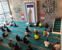 Her ayın 15'inde 251 Hatim Programı o camide yapıldı