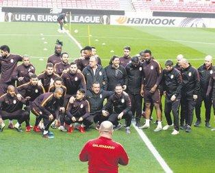 Aslan Benfica'ya hazır
