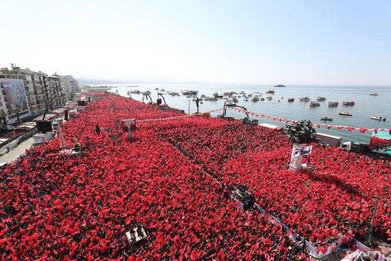 Cumhur İttifakı'nın ortak mitingi İzmir'i salladı! İşte Başkan Erdoğan sevgisi