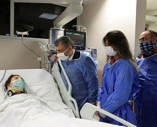 Sağlık Bakanı Fahrettin Koca, İzmir depreminde enkazdan kurtarılan İnci Okan'ı ziyaret etti