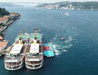 İstanbul Boğazı'nda 30. Boğaziçi Kıtalararası Yüzme Yarışması nefes kesti