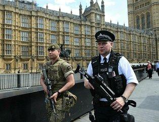 İngiliz ordusu selfie bağımlısı paralı asker arıyor